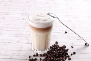 Latte Macchiato gehört zu den Kaffee-Klassikern schlechthin.