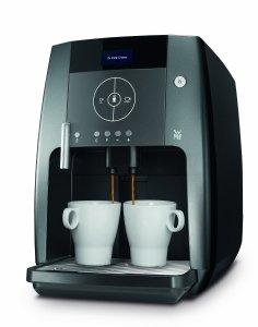 Der WMF 03 0320 0001 450 Kaffeevollautomat touch kocht für zwei Tassen gleichzeitig