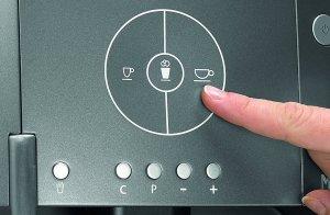 Bei dem WMF 03 0320 0001 450 Kaffeevollautomat touch reicht ein Klick für einen leckeren Kaffee