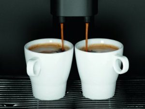 Vollen Kaffeegenuss bietet der WMF 03 0320 0001 450 Kaffeevollautomat touch