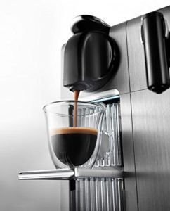 DeLonghi Nespresso EN 750.MB Lattissima Pro (1400 Watt) Silber im Test